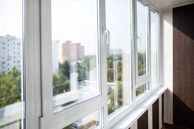 Скління балкона: ТОП 5 помилок